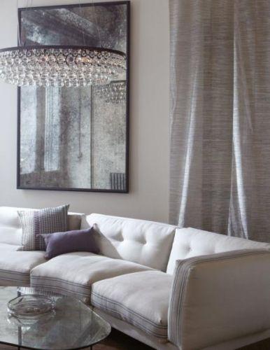 Rund taklampe fra den ekslusive lampeprodusenten Ochre. Taklampen kommer i to utførelser;bronse/glass og nikkel/glass. Ta kontaktfor mer informasjon og priser.