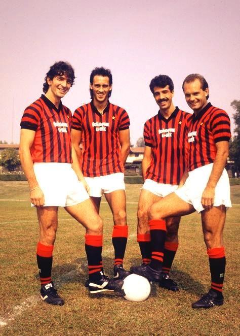 Paolo Rossi,Mark Hateley,Paolo Virdis & Ray Wilkins en 1980 au Milan AC
