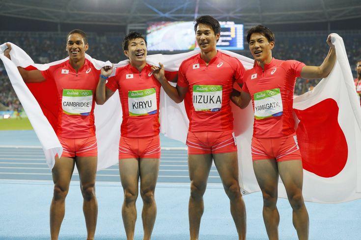 DAY15】陸上男子4×100mリレーで、山縣亮太選手、飯塚翔太選手、桐生祥秀選手、ケンブリッジ飛鳥選手の日本が、予選でマークしたアジア新記録を更新し初の銀メダルを獲得しました!#がんばれニッポン #陸上 #Rio2016 #リオ五輪 #オリンピック