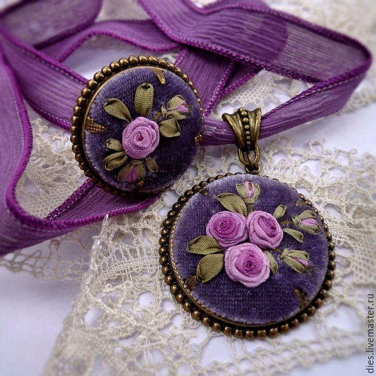 Комплект украшений с вышивкой шелковыми лентами Лиловые розы - украшение с вышивкой, Вышивка лентами, handmade