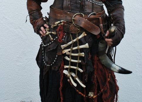 evomit:  pissprincess:  orcrist:  details of a LARP costume  ugh yes Siiick.