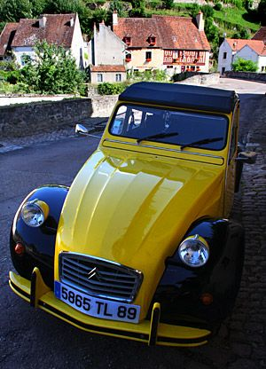 An early French Citroën. During my stay in France in 1979 and 1980, I rode in a few of these.