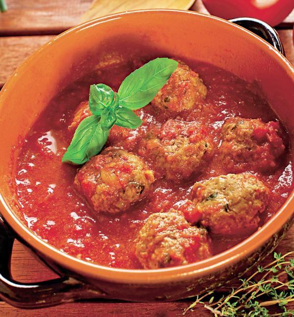 Chiftele cu sos de roşii | Retete culinare - Romanesti si din Bucataria internationala