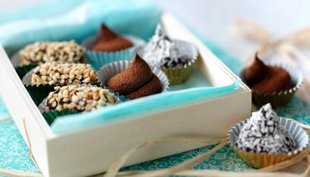 Try making these sensational chocolate #truffles as an edible present.