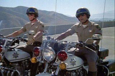 ...ter assistido as aventuras dos patrulheiros rodoviários Jon Baker e Frank Ponch em C.H.I.P.S.