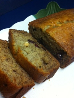 very moist banana bread- the easiest to make! MUST replace oil with coconut oil...the aroma is unreal, not to mention the FLAVOUR!!! I did muffins and it ONLY takes 25-35 mins.
