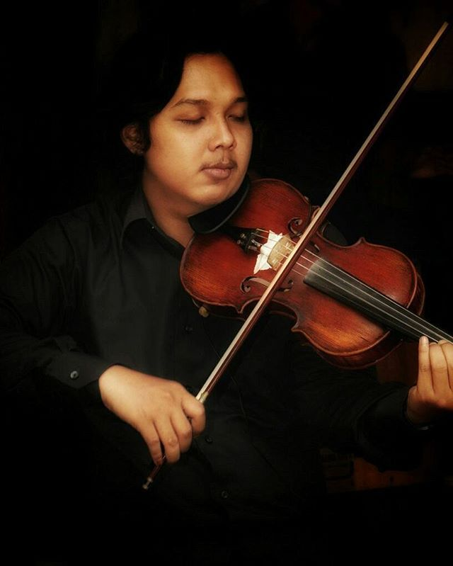 @imambadoy as violinist.. . . . 📷 by: @justallend  #violin #violinist #biola #string #music #akustik #accoustic #temansetaman #livemusic #cariband #cariakustik #bandcafe #bandwedding #bandjakarta #bandevent #weddingplanner #eventplanner #jakarta #weddinggigs #tamansuropati #menteng biola #violinist #bandwedding #tamansuropati #bandcafe #violin #music #bandjakarta #bandevent #akustik #eventplanner #accoustic #livemusic #temansetaman #jakarta #weddinggigs #cariakustik #menteng #string…