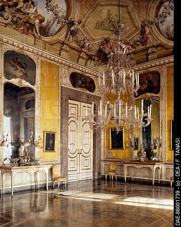 115 best caserta palace images on pinterest royal palace palaces and chateaus - Interior designer caserta ...