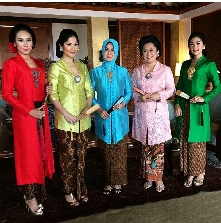 kebaya in colors