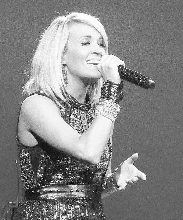 Carrie Underwood #thestorytellertour