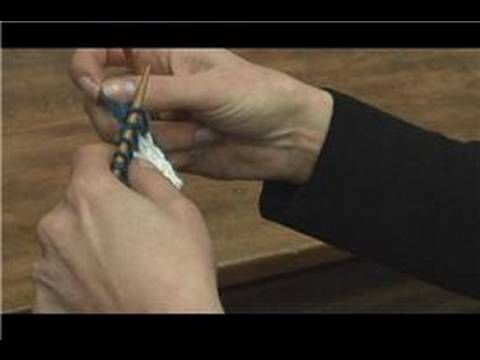 How to Knit : How to Join Yarn & Change Colors in Knitting - YouTube
