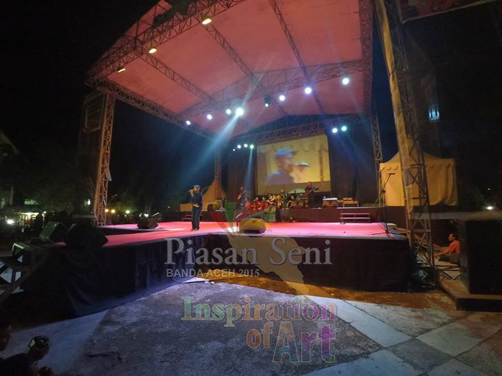New Rakeit Band Perform di Panggung Hiburan Rakyat Piasan Seni Banda Aceh 2015 #piasanseni - Piasan Seni Banda Aceh 2015 http://on.fb.me/1ifHj8G Get more on Piasan Seni Facebook FanPage http://on.fb.me/1igxuaC ============== OFFICIAL UPDATES ABOUT PIASAN SENI BANDA ACEH 2015 ------------------------ www.piasanseni.org info@piasanseni.org (mail) @piasanseni (twitter/Instagram/tumblr/Pinterest) 58780415  C002DE7E3 (BBM) Piasan Seni Banda Aceh 2015 (http://bit.ly/1F1xLsB : Facebook Page) or…