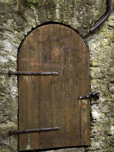 nancy-steve-ross-detail-of-old-wooden-door-in-stone-wall-tallinn-estonia.jpg (366×488)