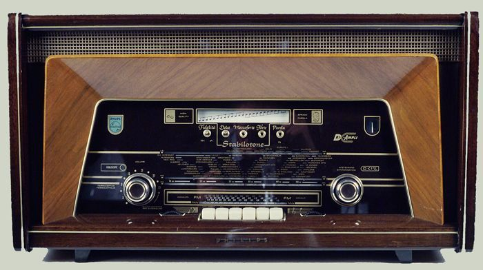 Philips radio-amplifier Bi-Ampli Stabilotone. CC-BY Museum Rotterdam