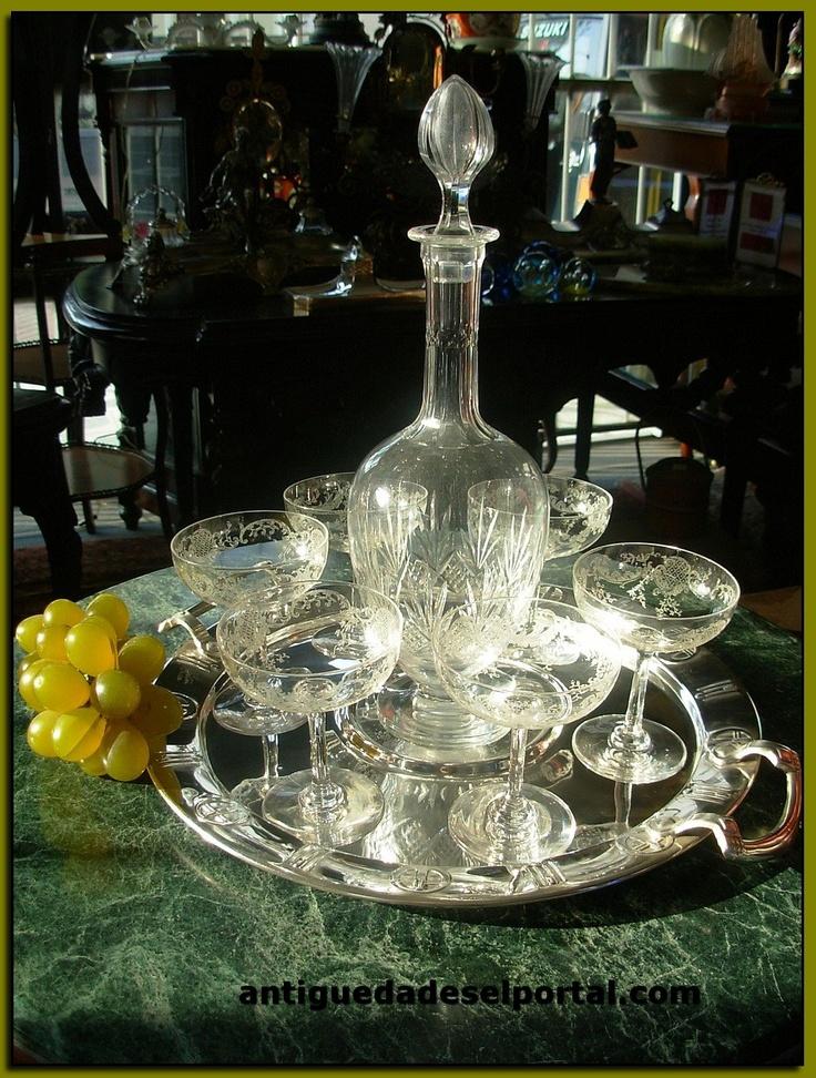 Licorera y copas de cristal San Luis.