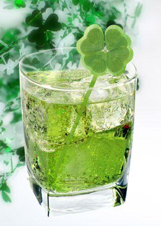 Finally a green drink with no mint!  Here we go: 1 oz. vodka, 4 oz. champagne, 1/2 oz melon liqueur.