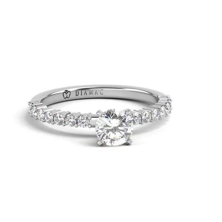 E momentul sa alegeti dintre mai multe inele de logodna? Acum e simplu  Trebuie sa recunoastem ca alegerea unui diamant este una majora in cele mai multe cazuri. A selecta unul dintre mai multe si atat de diverse inele de logodna nu e tocmai simplu, mai ales daca nu sunteti nici mare expert in domeniu. Ei bine, acum e usor sa gasiti inelul dorit, cu care sa va...  http://articolebiz.ro/momentul-sa-alegeti-dintre-mai-multe-inele-de-logodna-acum-simplu/