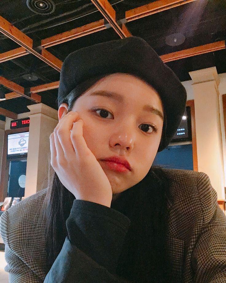 Pin de aku Laila em rothy ming em 2020 (com imagens) | Menina coreana. Ullzang. Menina