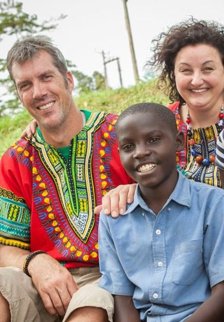 Here's another side to #MasterchefAustralia winner Julie Goodwin; in Uganda with her sponsor child. She shared her experiences with suitcases&strollers in this amazing post. #travel #travelwithkids #familytravel #familyvacations #Africa http://www.suitcasesandstrollers.com/interviews/view/sponsoring-a-child-with-julie-goodwin?l=celeb