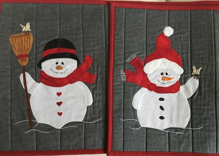 Min søde og dygtige kollega Lotte Watson har syet disse juleudgaver af mine snemænd.