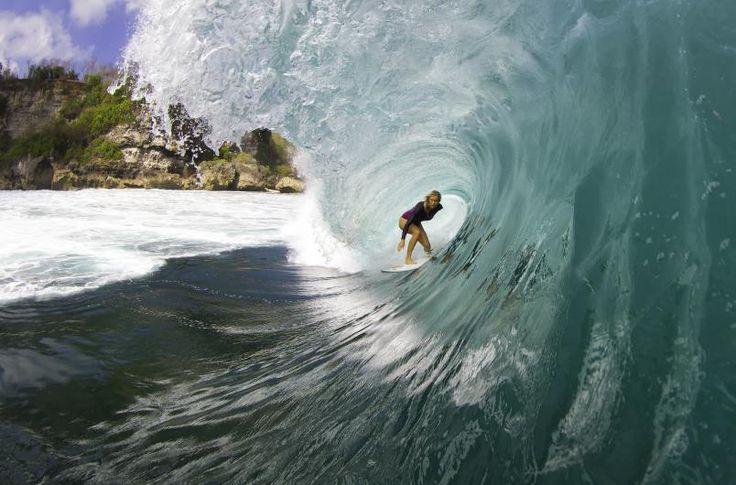 Pro surfer Bethany Hamilton continues to inspire   Hawaii Magazine