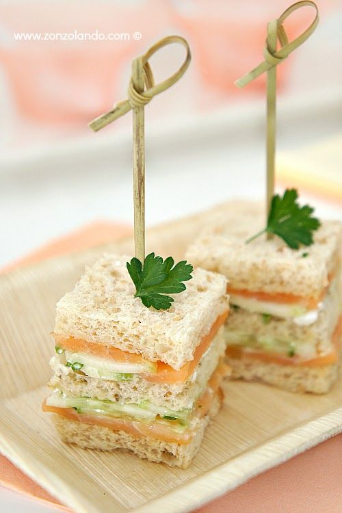 Tramezzini con salmone e cetrioli - #Salmon and cucumber #sandwich. #tasty