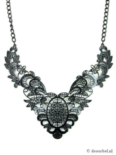 Mooie volledig metalen zwarte halsketting