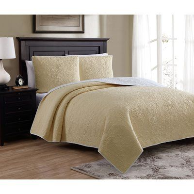 American Home Fashion Marseille Reversible Quilt Set Size: Twin, Color: Yellow
