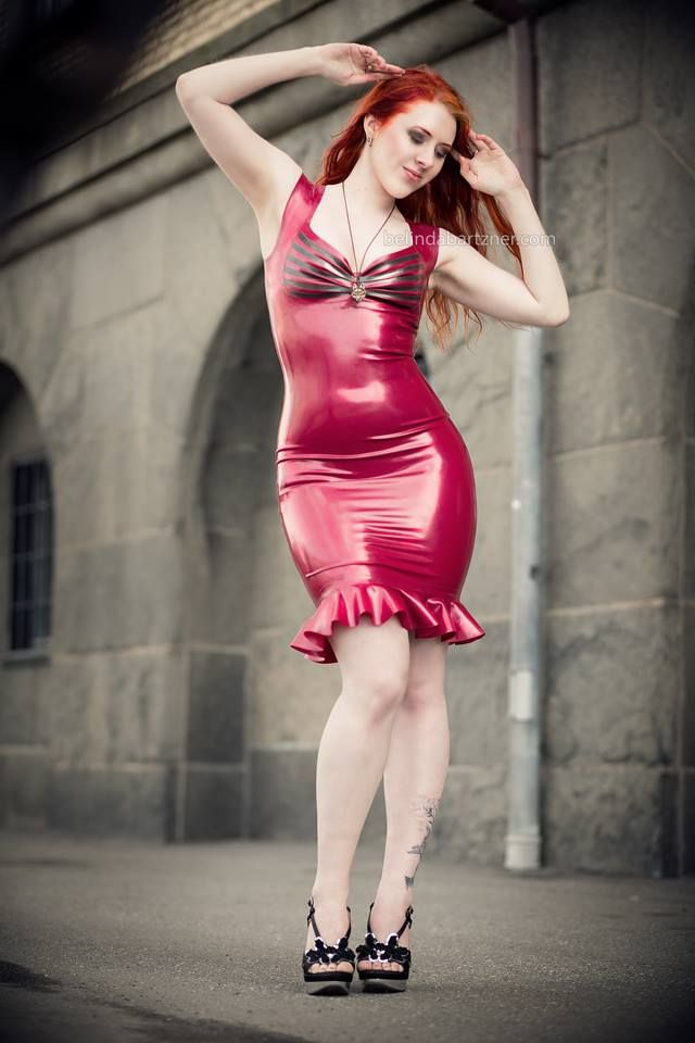 Ginger Varganess rocking her latex outfit from Maebelle Latex in photoshoot with Belinda Bärtzner <3