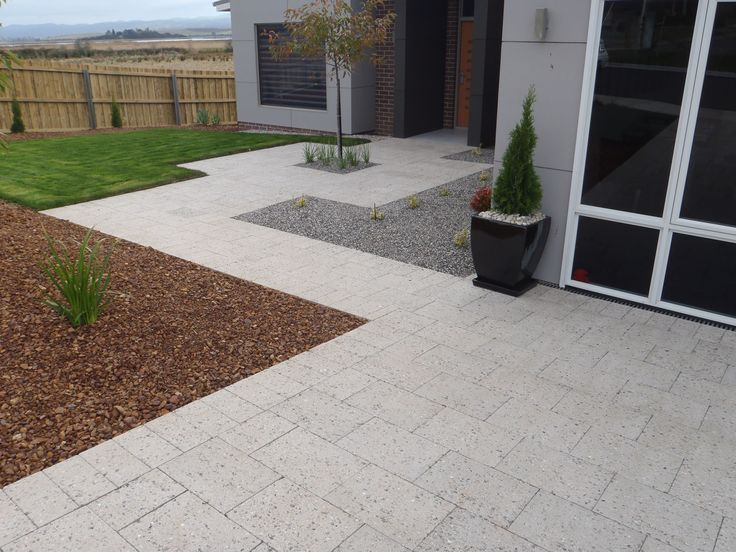 Features Prestige and quality Environmentally beneficial (made from recycled products) Unique sizing Exposed aggregate finish Suitable for Domestic driveways Commercial driveways