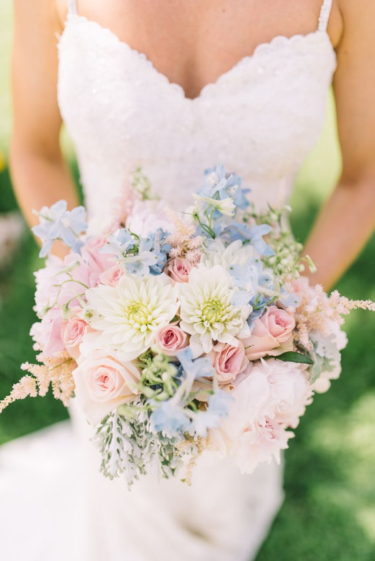 CARLA bridal bouquet by Moments www.weddingincrete.com