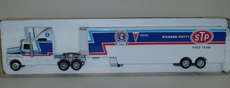 Richard Petty RCCA 1992 STP Race Team Hauler 1/64 Transportation Truck Mint #RCCA