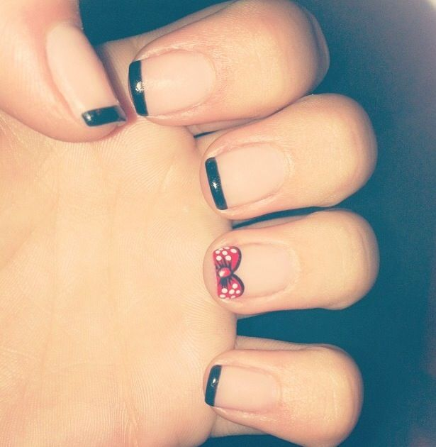 Disney nails #minniemouse #disneyland