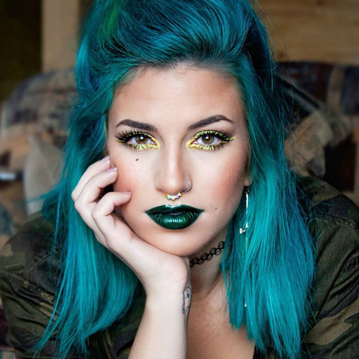 """""""in my mind, this is the perfect green lipstick  if someone wants to be brave and go green, @limecrimemakeup """"serpentina"""" would be the one to pick. …"""""""