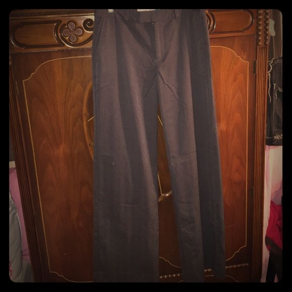 "Grey dress pants Perfect condition dress pants. Old navy stretch. Size 4 about 30"" measured from crotch seam. Old Navy Pants"