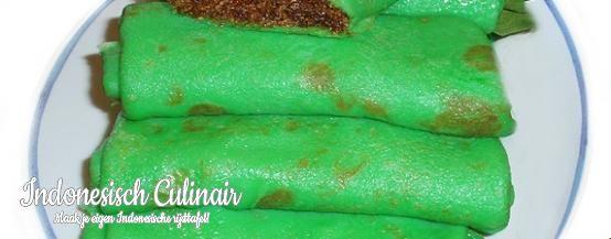 Kue Dadar - Gevulde groene flensjes met zoete kokos - Stuffed green crepes with sweet coconut