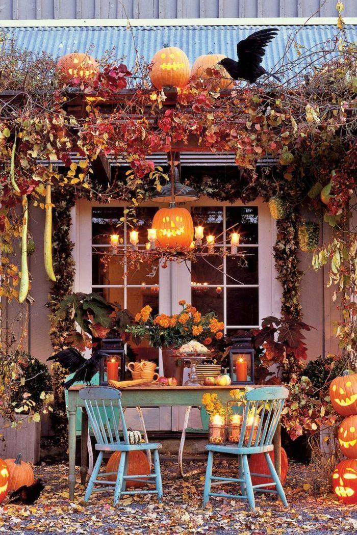 Alle Konkurrieren Gegeneinander Mit Der Schonsten Halloween Deko Zu Faszinieren Wollen In 2020 Fall Decorations Porch Halloween Outdoor Decorations Fall Outdoor Decor