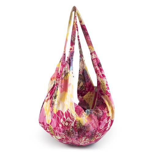 BANANA BAG RAPUNZEL FUCSIA - Banana bag in cotone con stampa fantasia. Chiusura cerniera. Leggerissima, ideale da mettere in valigia con il kaftano e il pareo coordinati.