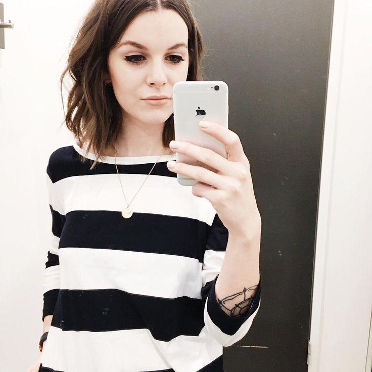 "Gefällt 39 Mal, 2 Kommentare - Fliss North (@flissnorth) auf Instagram: ""More stripes. . #latergram #ootd #wiwt #whatiwore #outfitoftheday #tshirt #basic #stripes #cos…"""