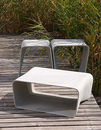 Misschien heb je het de laatste tijd vaker gezien of gelezen; verschillende materialen en structuren gecombineerd in een interieur. Je kan het zo gek niet bedenken. Leer, grof hout (denk bijvoorbeeld aan sokkels), leem, koper en beton, het mag allemaal. De materialen kunnen apart van elkaar gebruikt worden maar de combinatie ervan zorgt voor verrassende resultaten. Materialen als beton worden niet alleen buiten maar ook steeds vaker binnen gespot. De Ecal chair is een mooi voorbeeld hiervan.