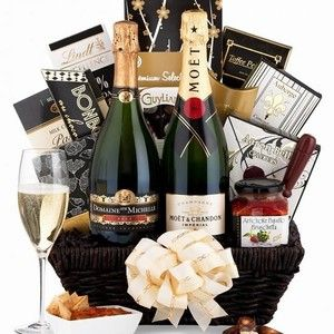 This Affordable Moet and Chandon Champagne Gift Basket is a perfect New Year's Gift.