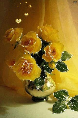 Желтые розы в вазе!