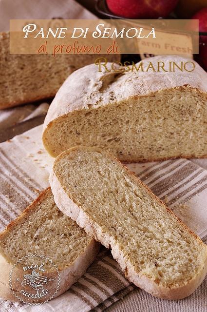 Pane di Semola al profumo di rosmarino by MentaeCioccolato, via Flickr