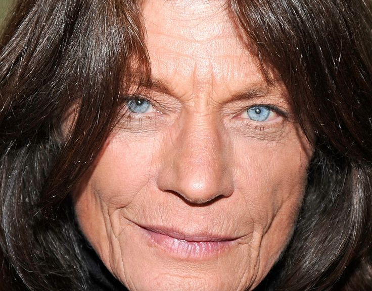 Meg Foster 10-05-1948  Amerikaans actrice. Ze is vooral bekend door haar opvallende lichtblauwe ogen. In 1983 speelde ze een grote rol in Sam Peckinpahs verfilming van Robert Ludlums boek The Osterman Weekend, met tegenspelers als Rutger Hauer, John Hurt en Dennis Hopper. https://youtu.be/krZ3EsqroHQ