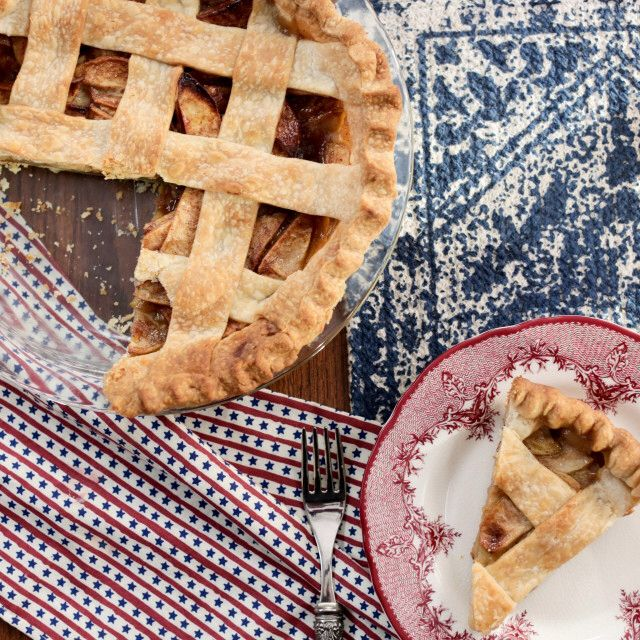 Tom S Mom S Apple Pie Recipe Apple Pie Apple Pie Recipes Food Network Recipes
