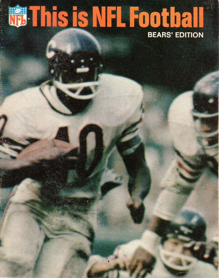 Gale Sayers graces the cover of the Chicago Bears edition of This Is NFL Football (1967).