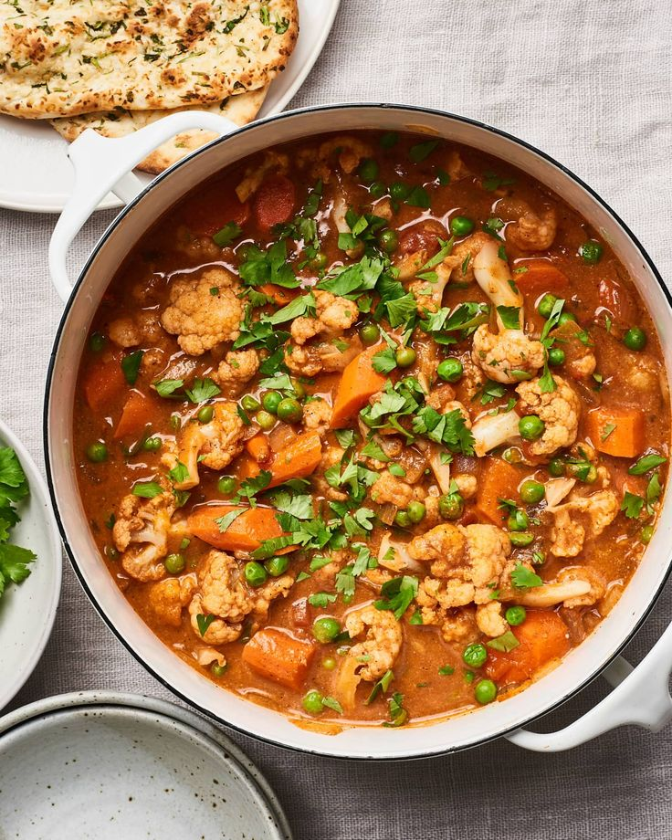 This version goes full steam ahead with lots of hearty vegetables, like cauliflower, thick-cut carrots, and peas. Indian Food Recipes, Vegetarian Recipes, Ethnic Recipes, Going Vegetarian, Gf Recipes, Vegetarian Cooking, Bean Recipes, Vegan Dinners, Veggie Recipes