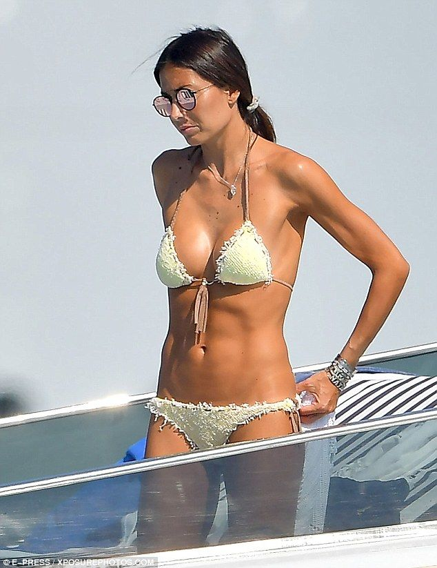 Hello sunshine! Elisabetta Gregoraci was spotted soaking up the sun in Saint Tropez last week