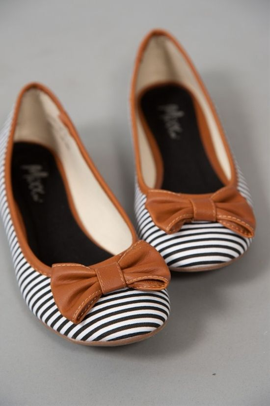 I'm not a huge fan of flats like this, but these are adorable!