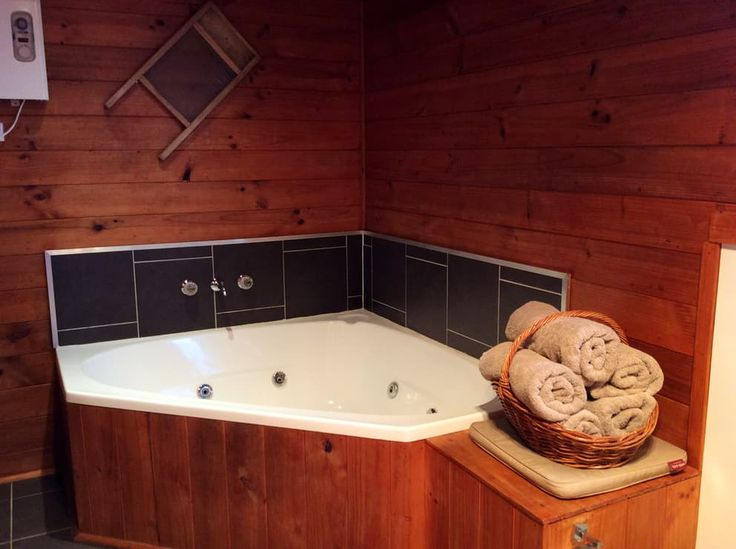 Spa bath in Trappers Lodge